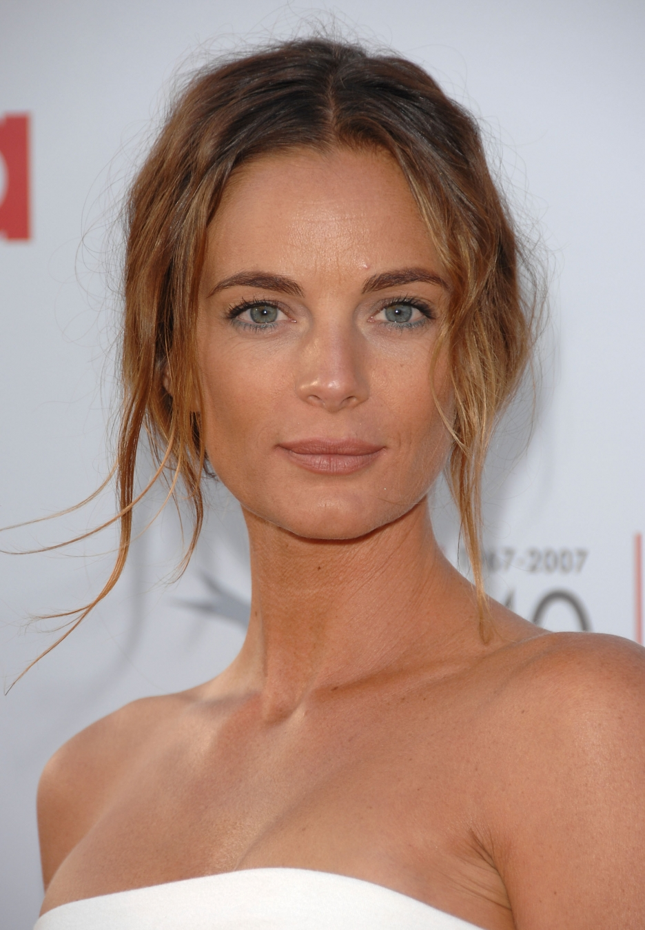 To download the Gabrielle Anwar Wallpaper just Right Click on the 936x1349