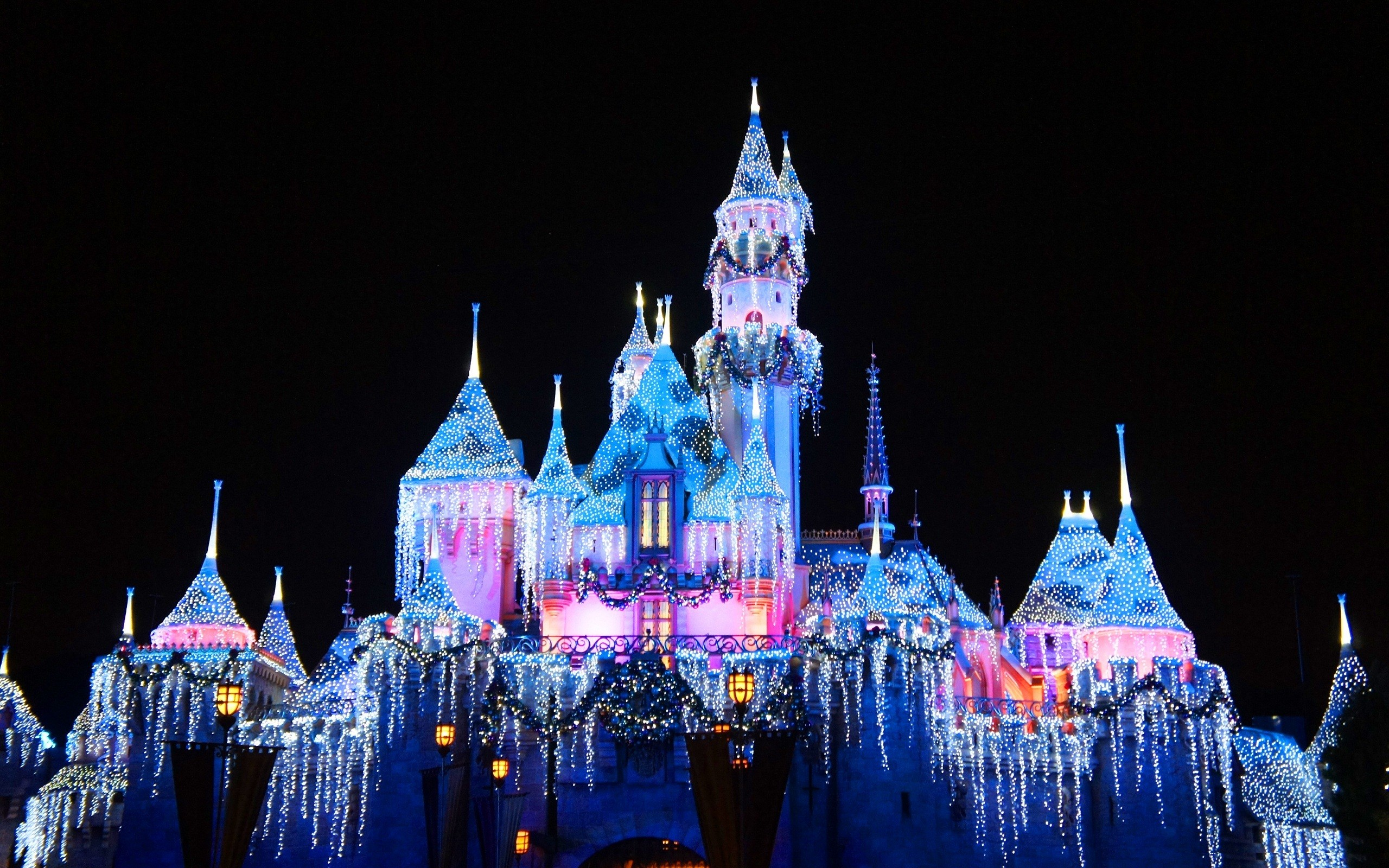 Disney Castle Pink and Blue Wallpapers Disney Castle Pink 2560x1600