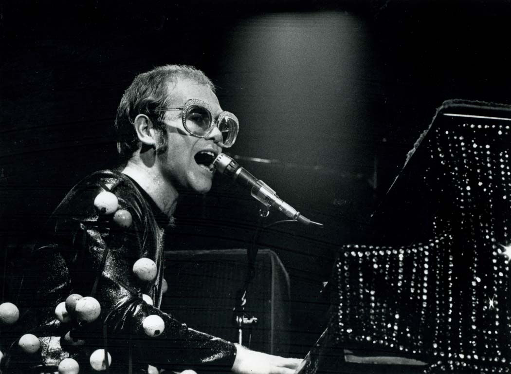 elton john wallpaper Gallery 73 images 1050x768