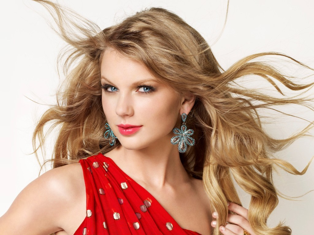 Lovley Taylor Wallpaper   Taylor Swift Wallpaper 18881111 1024x768