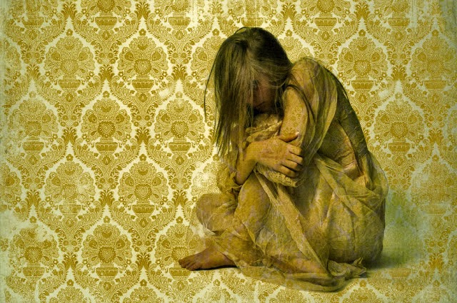 STORY OF THE YELLOW WALLPAPER 640x425