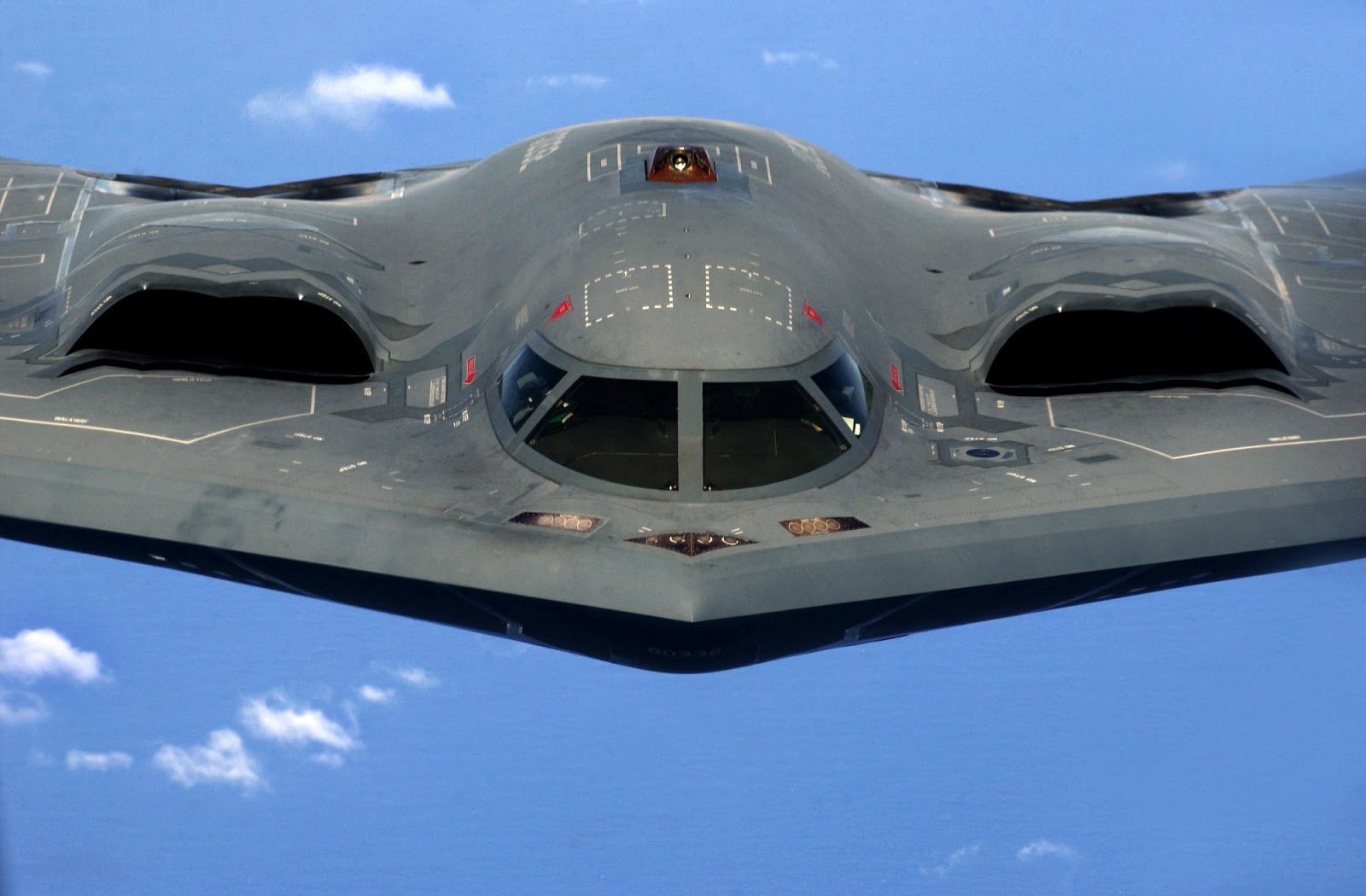 Aircraft Nut B2 Stealth Bomber clocks 7000 hours 1600x1050