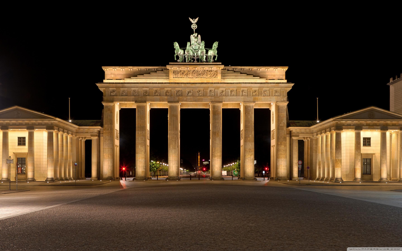 Brandenburg Gate Wallpaper 2   2880 X 1800 stmednet 2880x1800
