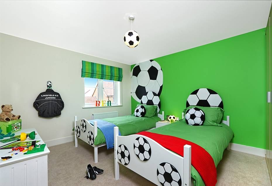 Sports Themed Bedrooms Football Theme With Football Wallpaper And 930x636