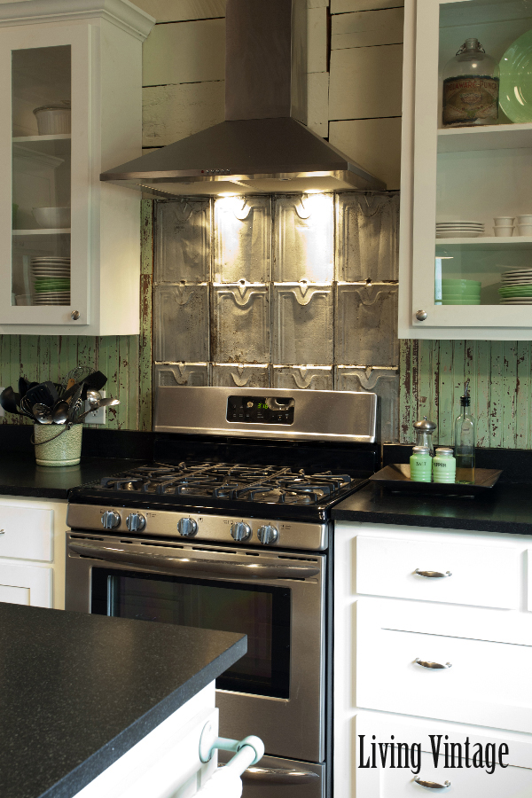6nXJU9 Kitchen Backsplash With Mosaic Border Ideas on living room ideas with borders, bathroom with borders, kitchen tile backsplash with borders, landscaping ideas with borders, backsplashes with borders,