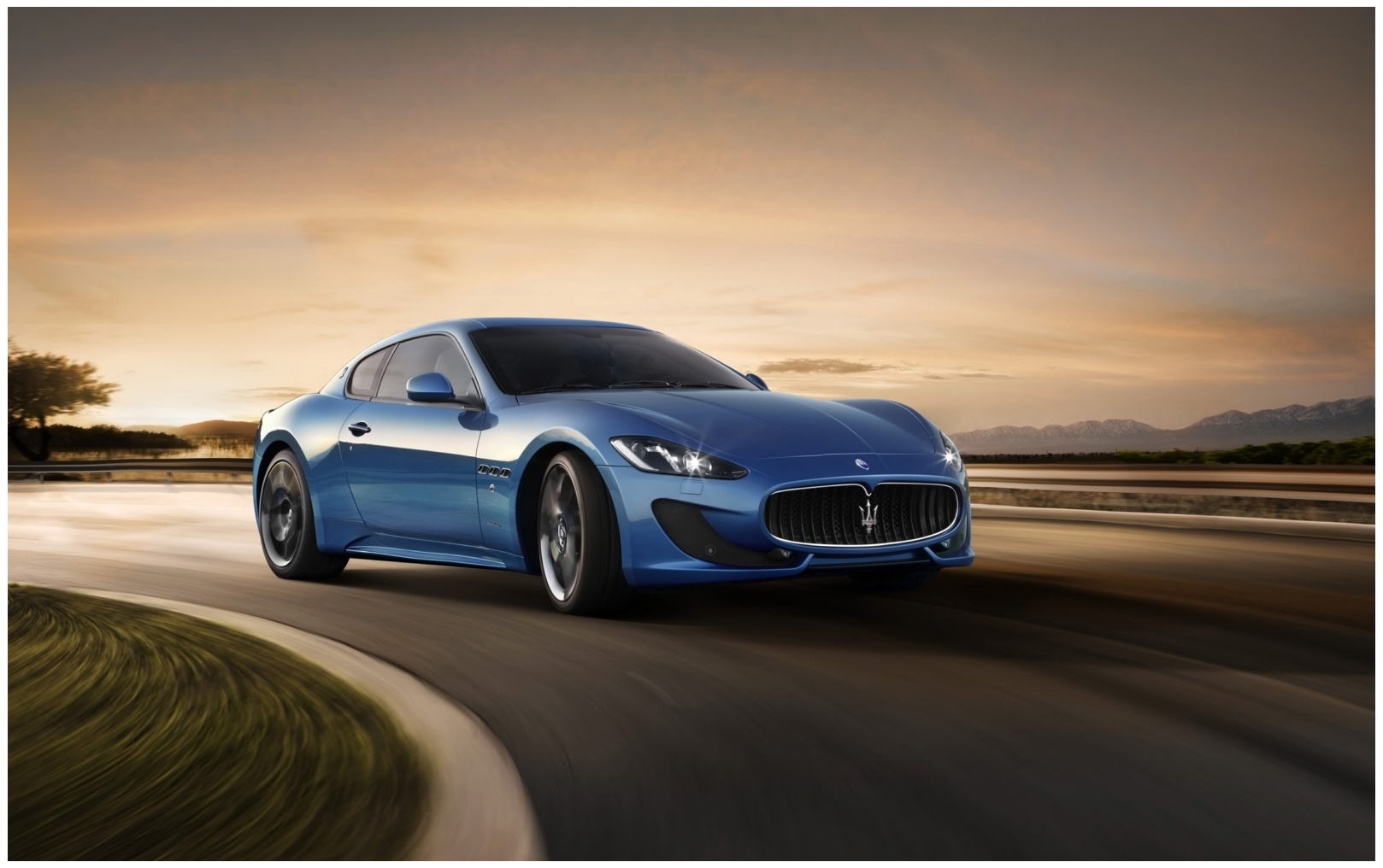 Maserati Granturismo Hd Wallpaper widescreen 1618x1016