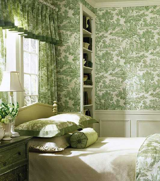 white and green bedroom decor in classic style 532x600