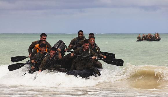 Recon Marines Assault Beach 6 580x334