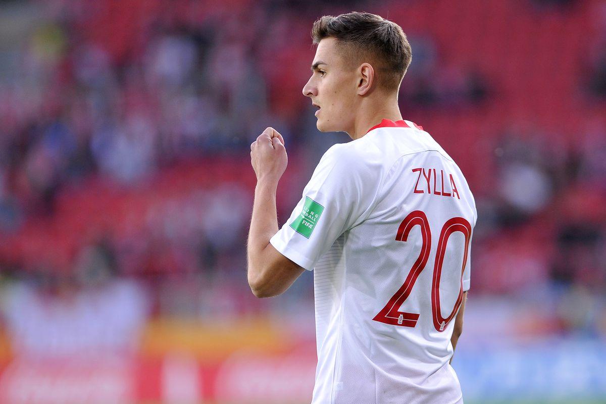 Bayern Munichs Chris Richards Marcel Zylla advance in FIFA U 20 1200x800