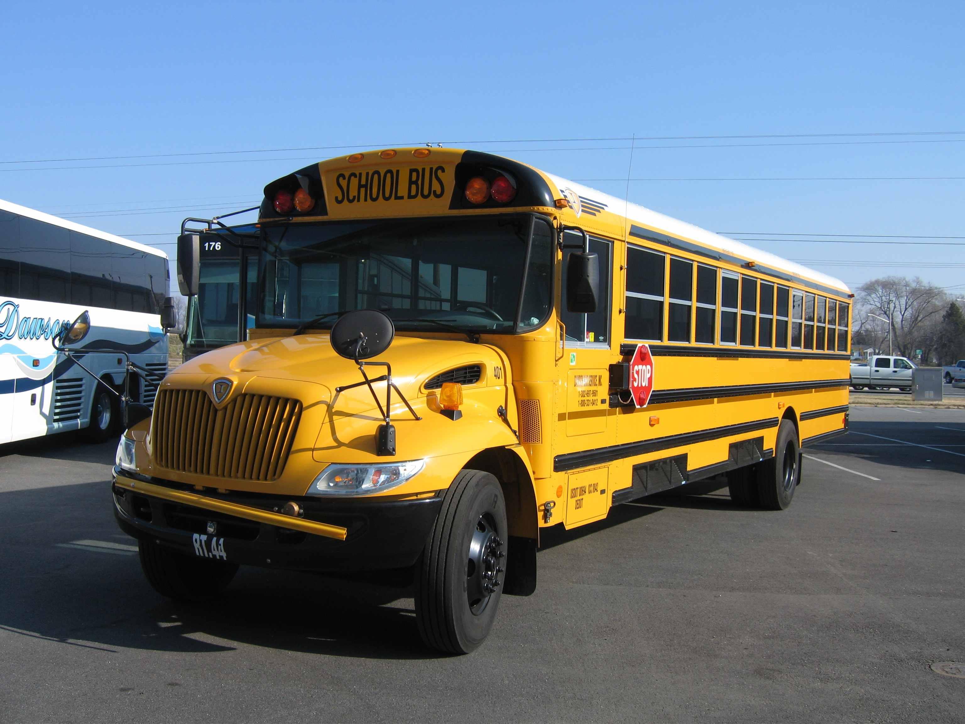 SCHOOL BUSES   DAWSON BUS SERVICE INC 3072x2304