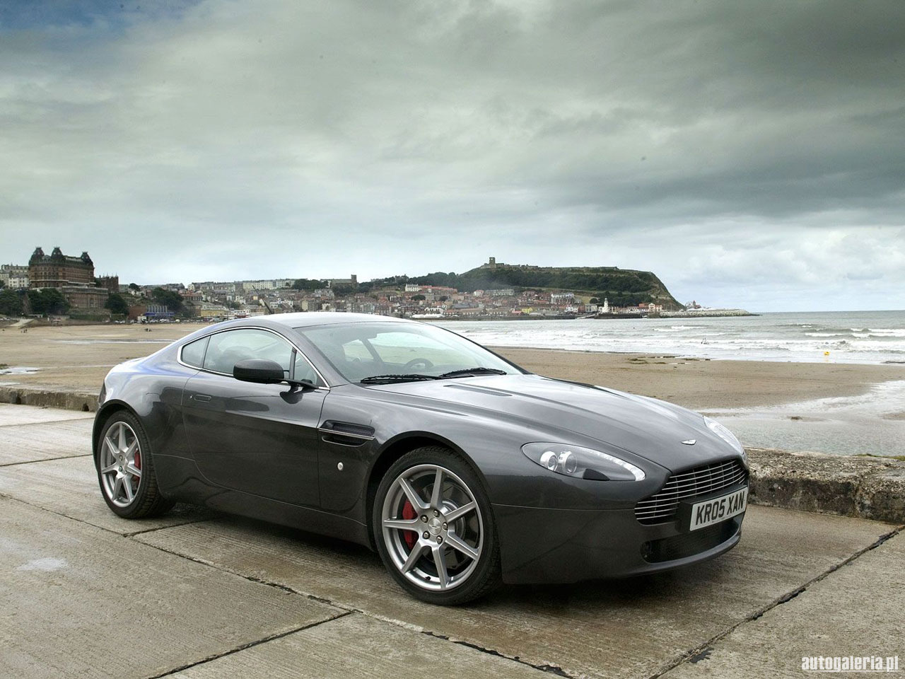 Supercars Wallpapers Aston Martin V8 Vantage Wallpapers 1280x960