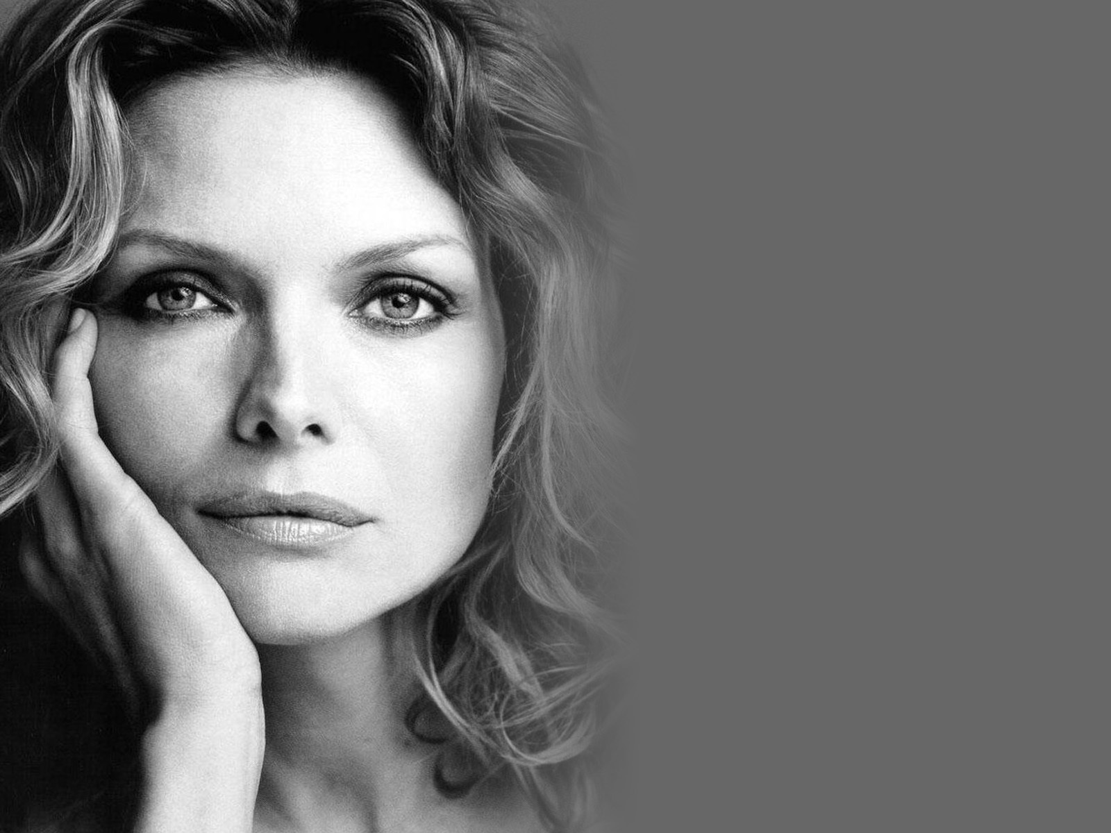Michelle Pfeiffer Wallpapers Images Photos Pictures Backgrounds 1600x1200