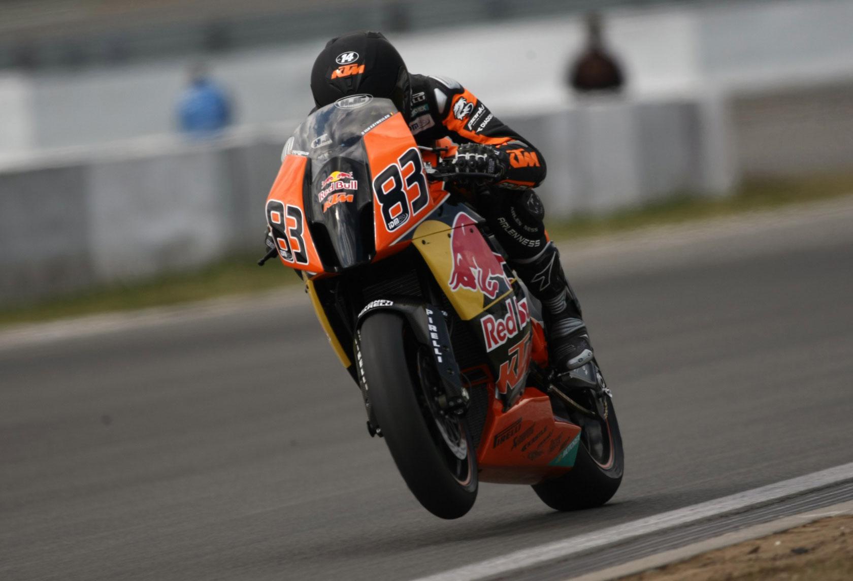2010 KTM 1190 RC8R Red Bull wheelie wallpaper 1680x1144 93190 1680x1144