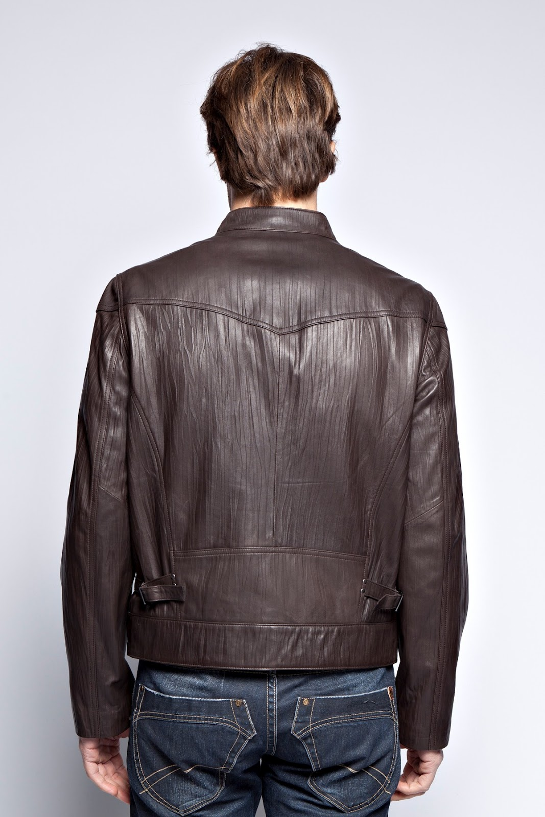 how to wear a brown leather jacket men The leather jackets for women 1067x1600