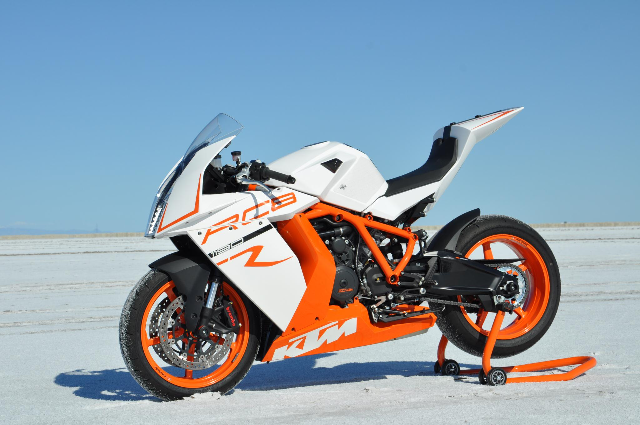 ktm rc8 wallpaper 2048x1360