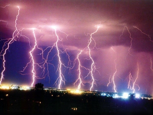 Wallpapers   HD Desktop Wallpapers Online Lightning Strikes 500x375