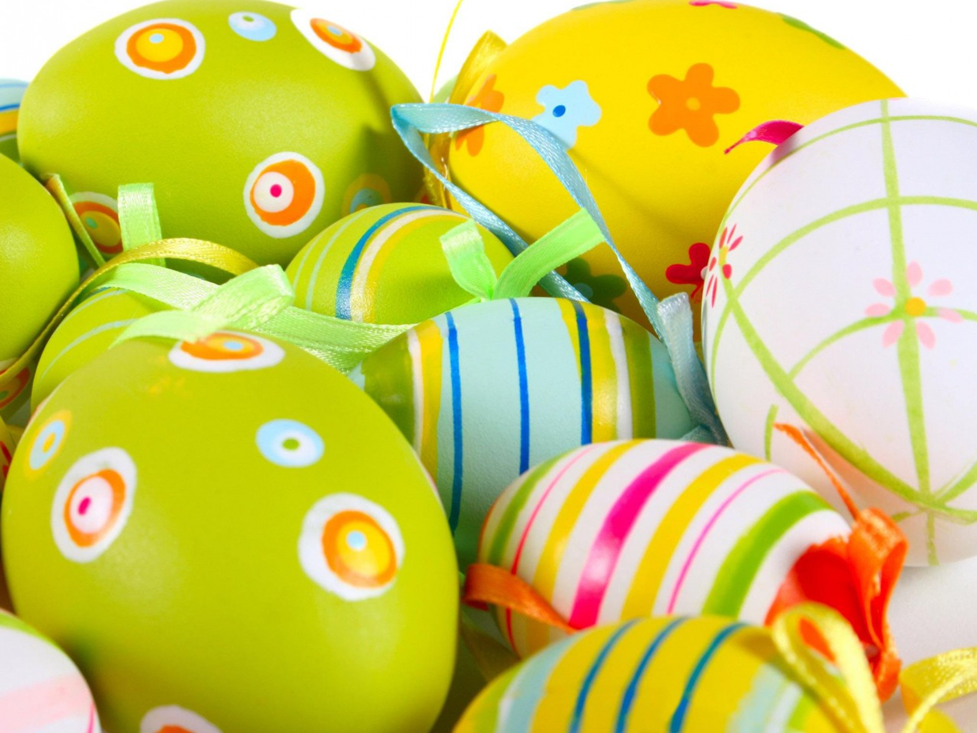 11 Beautiful and Easter Desktop Wallpapers 2000x1500