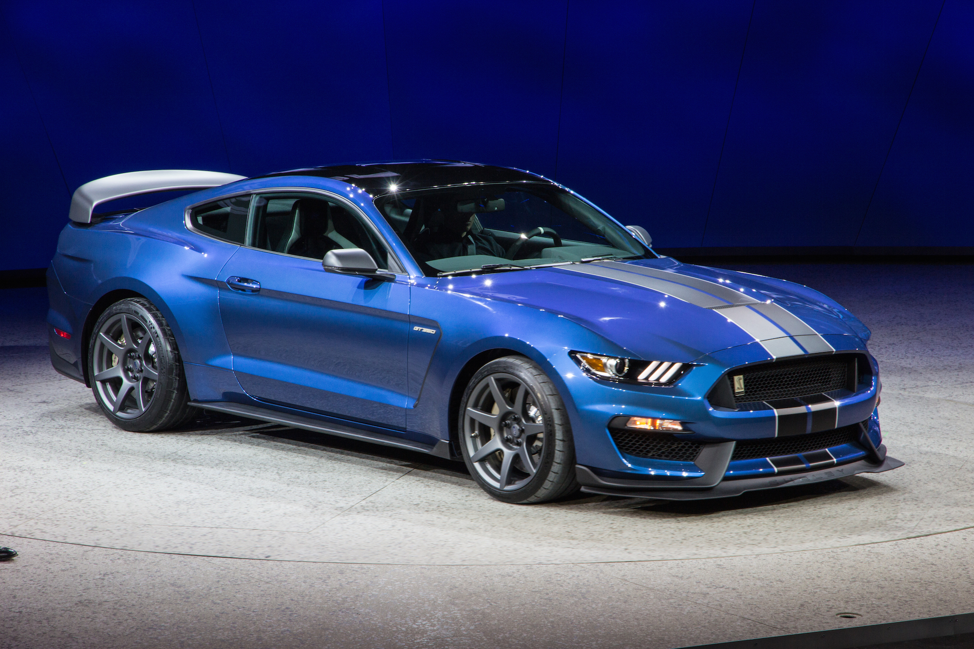 2016 Ford Mustang Shelby GT350 HD Wallpapers 2000x1333