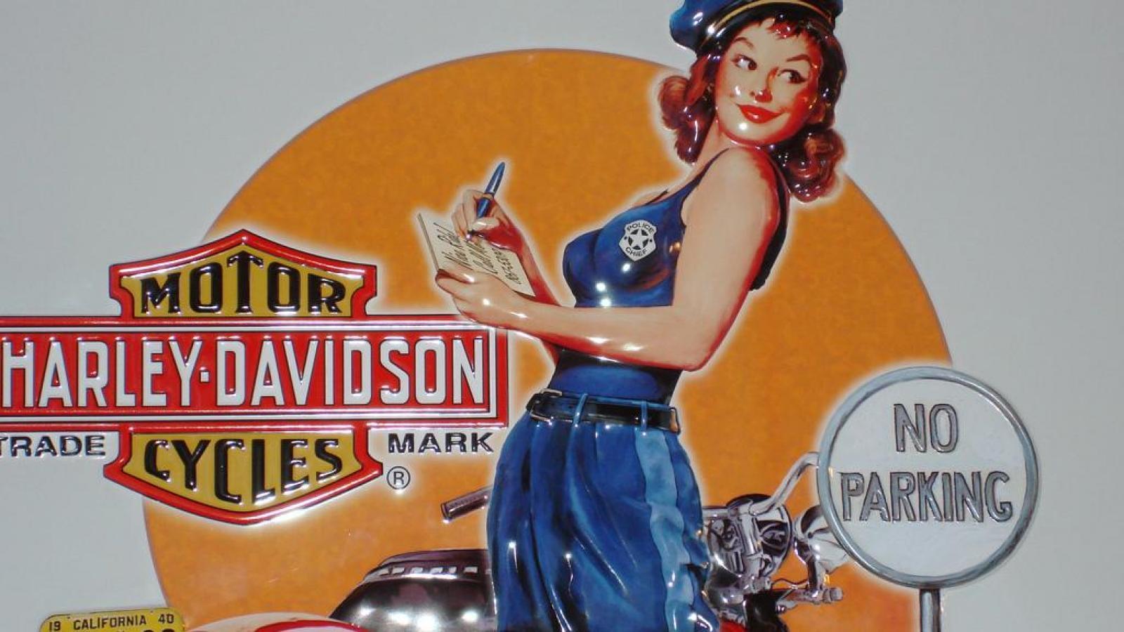 Harley Davidson Pin Up Wallpaper - WallpaperSafari