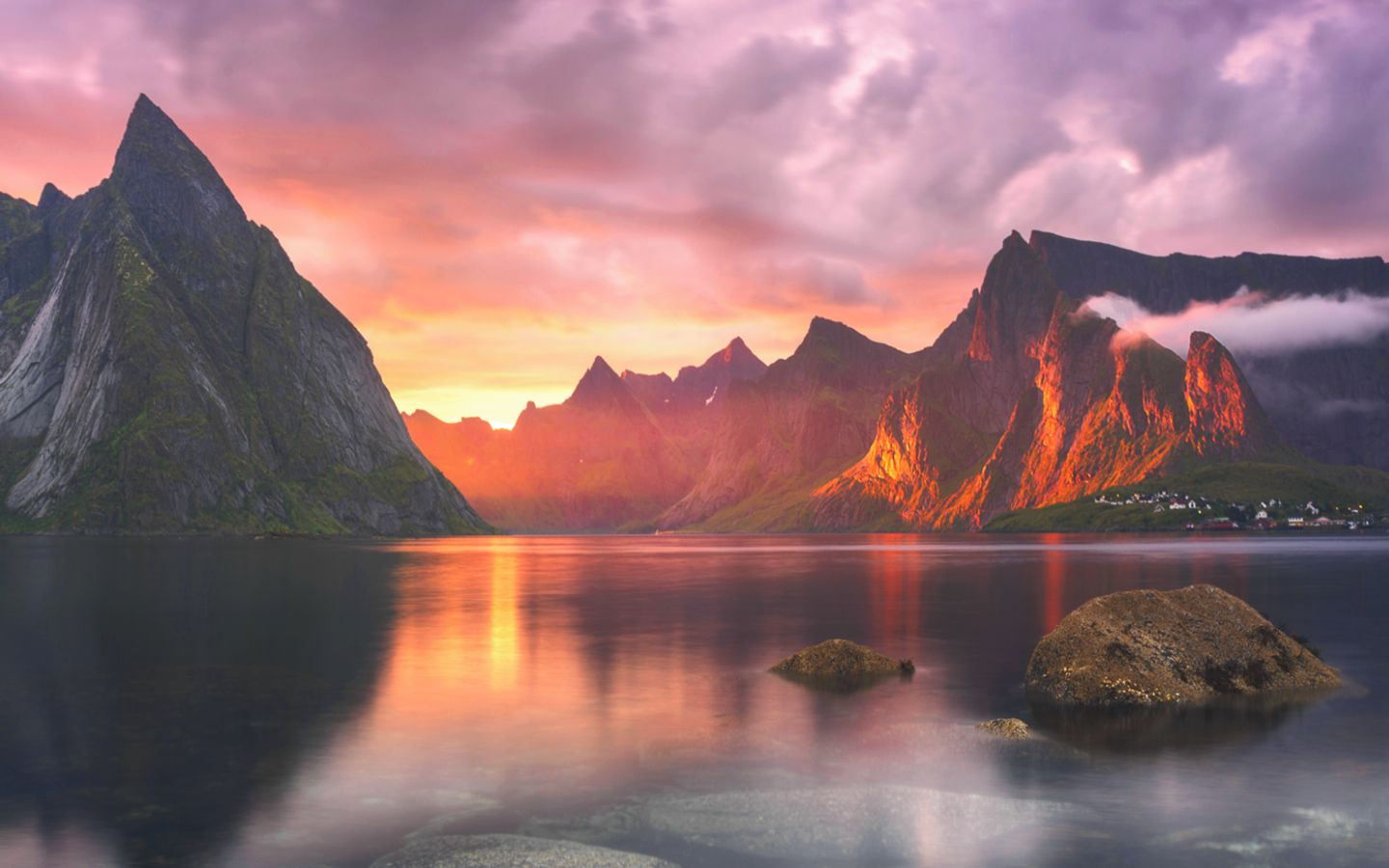 Here are all of OS X Yosemites beautiful new wallpapers 9to5Mac 1440x900