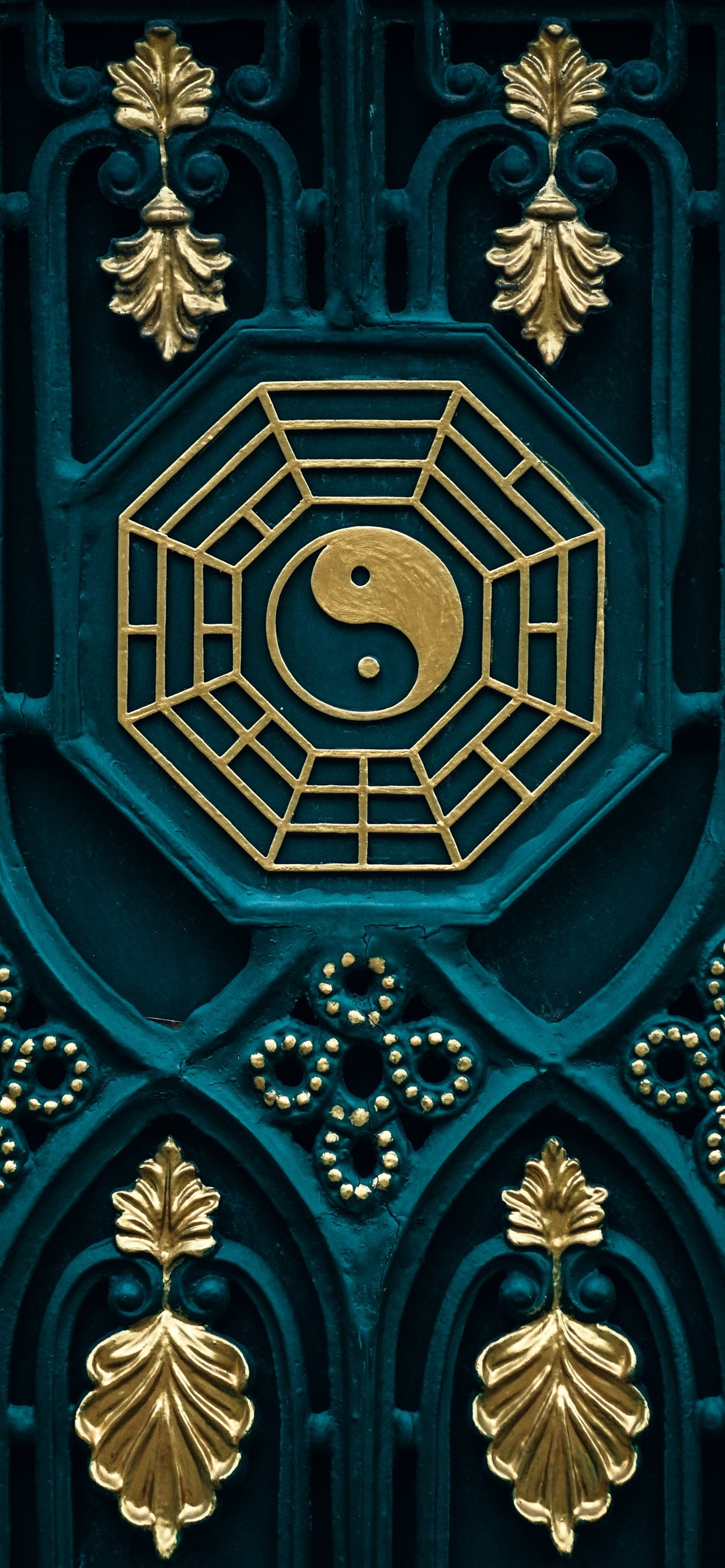 Bagua map yin yang door 1242x2688 iPhone XS Max wallpaper 1242x2688