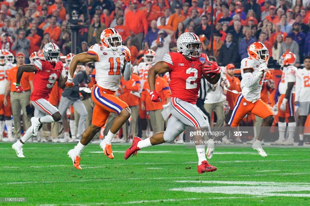 Ohio State Buckeyes running back JK Dobbins breaks for a 1024x683