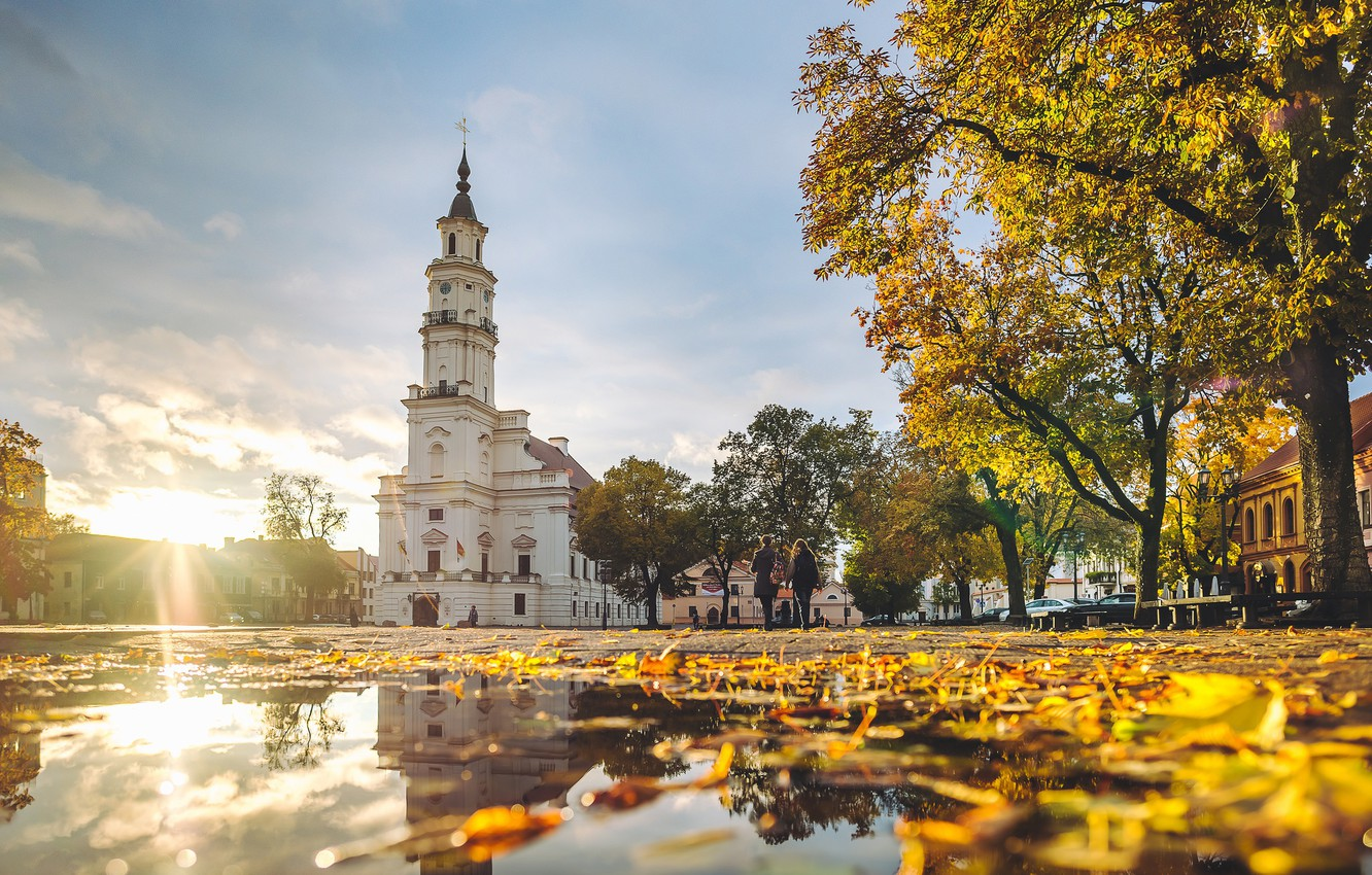 Wallpaper Lithuania Kaunas Autumn Colors Town Hall images for 1332x850