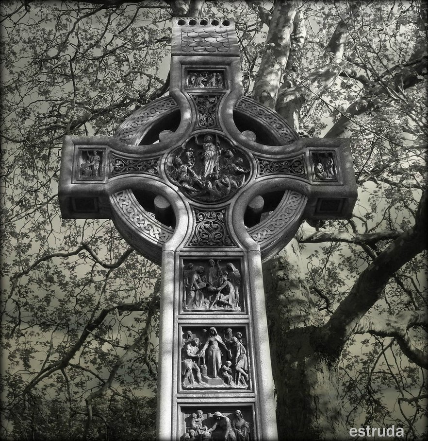 Celtic Cross by Estruda 882x907