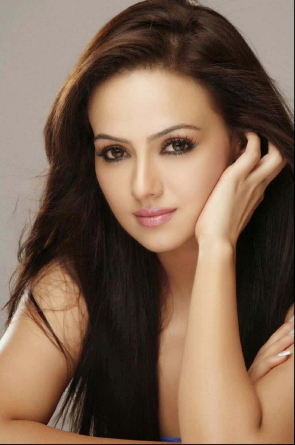 Sana Khan HD Wallpapers Download Celebrities Wallpapers HD 962x1452