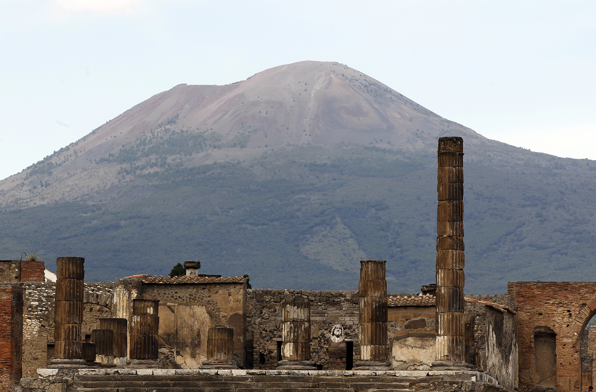 Rescue of Ancient Ruin of Pompeii Follows New Plan 2048x1346