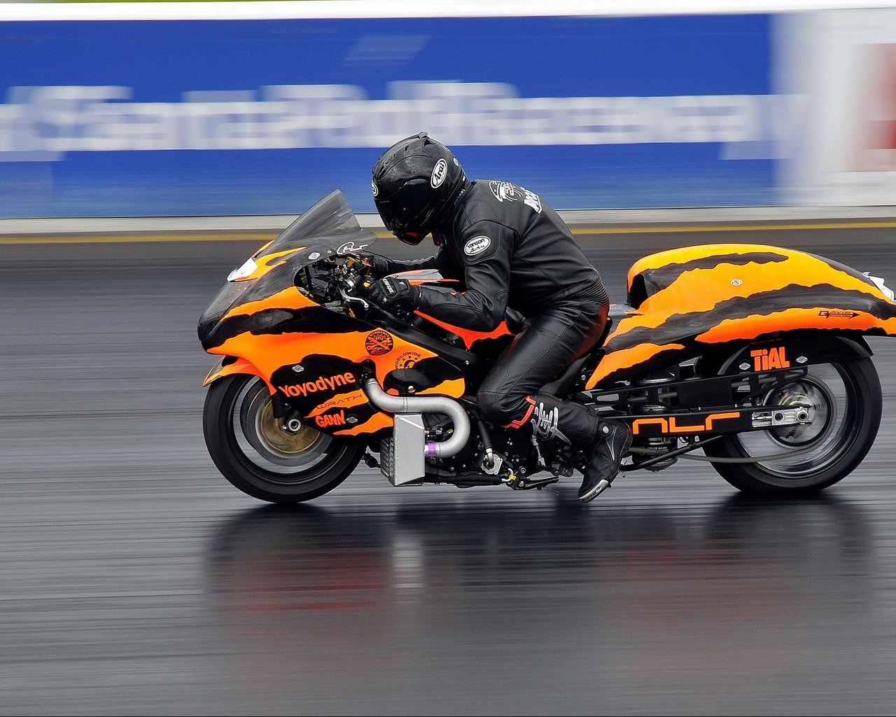 Download wallpaper 1280x1024 motorcycle bike racing sports 1280x1024