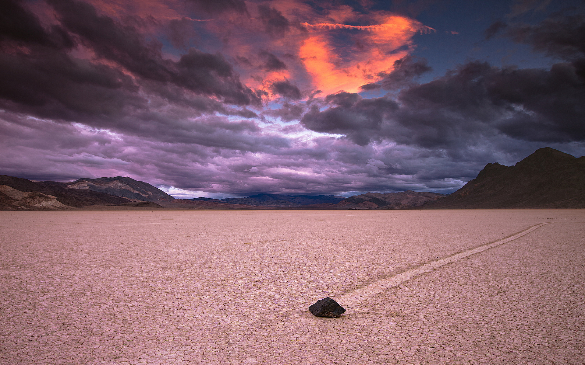 Death Valley Desert At Night HD Wallpaper Background Images 1920x1200