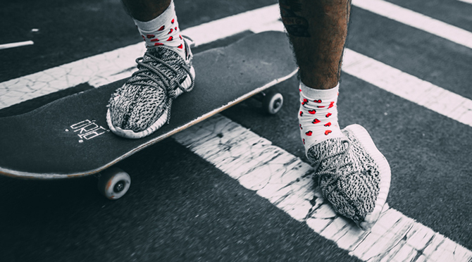 This Guy Destroy His adidas Yeezy Boosts by Skateboarding in Them 670x372