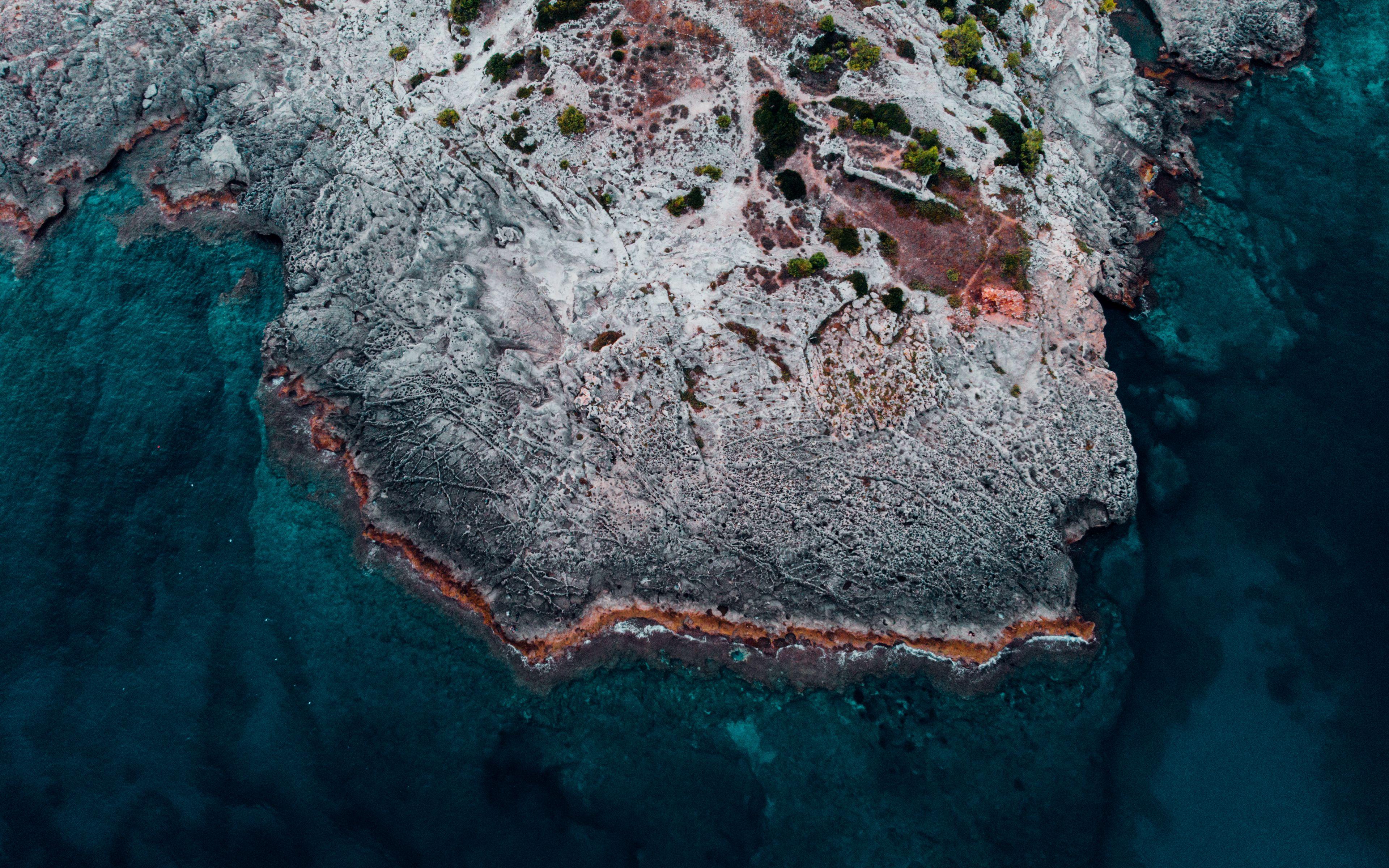 Download wallpaper 3840x2400 ocean shore aerial view water 3840x2400
