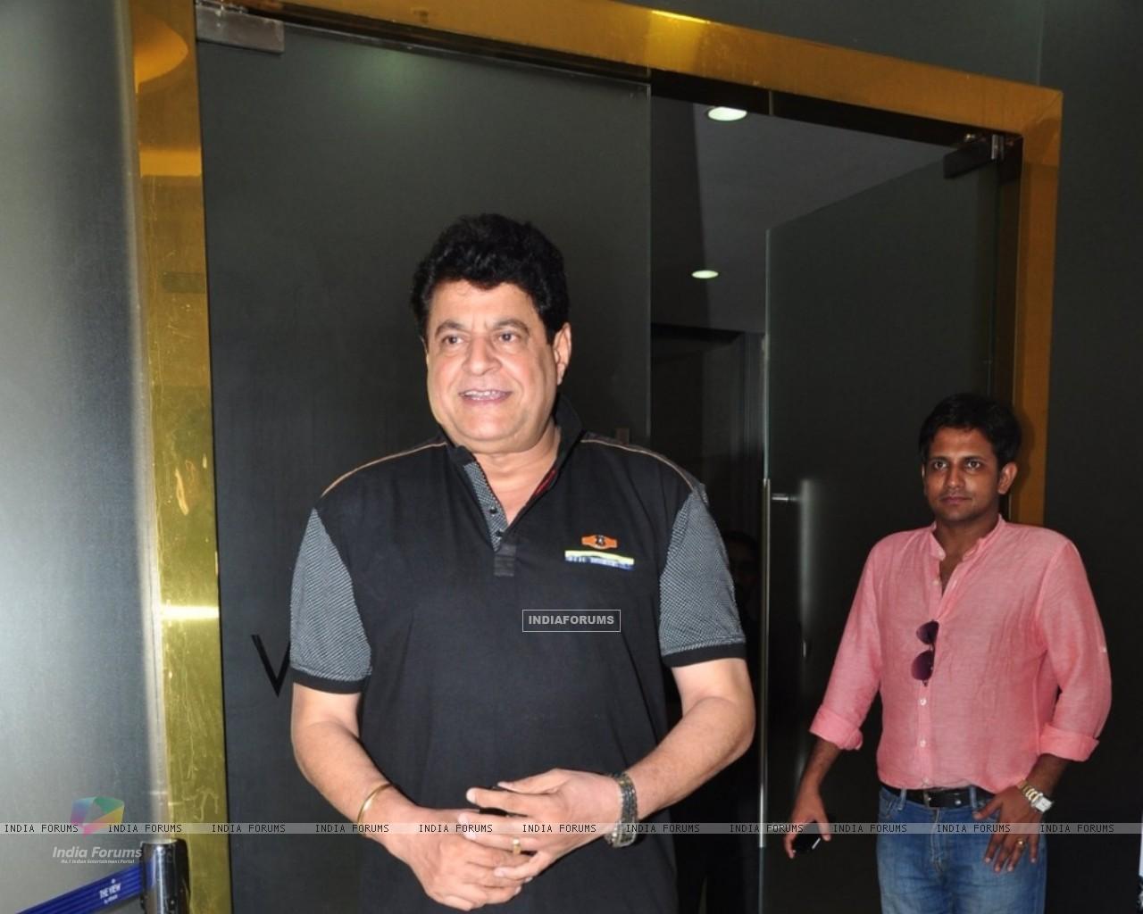 Wallpaper   Gajendra Chauhan at Screening of film Laal Rang 1280x1024
