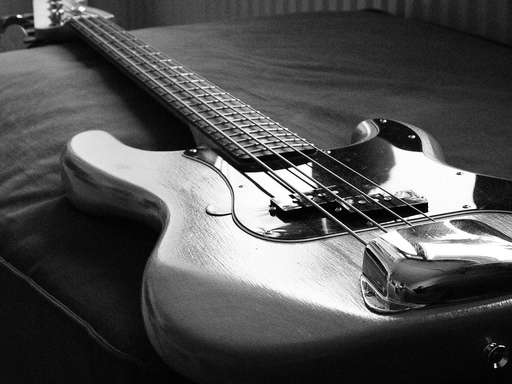 Hd Bass Guitar Wallpaper: Fender Bass Wallpaper