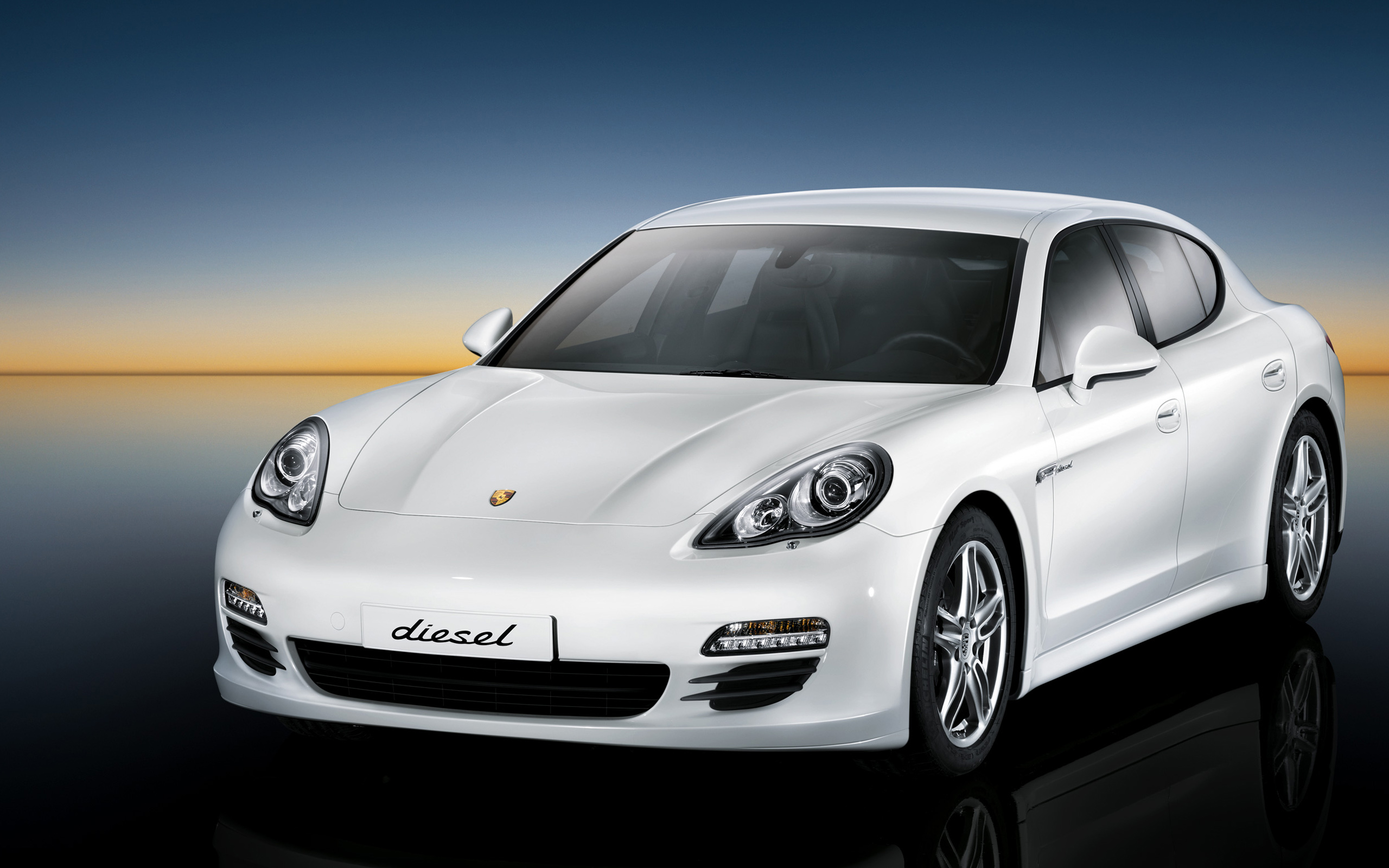 Porsche Panamera Diesel Wallpaper HD Car Wallpapers 2560x1600