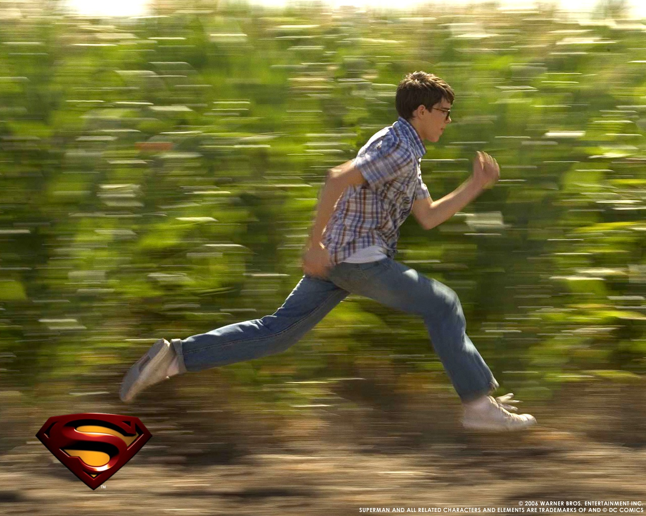 1280x1024 Superman running desktop PC and Mac wallpaper 1280x1024