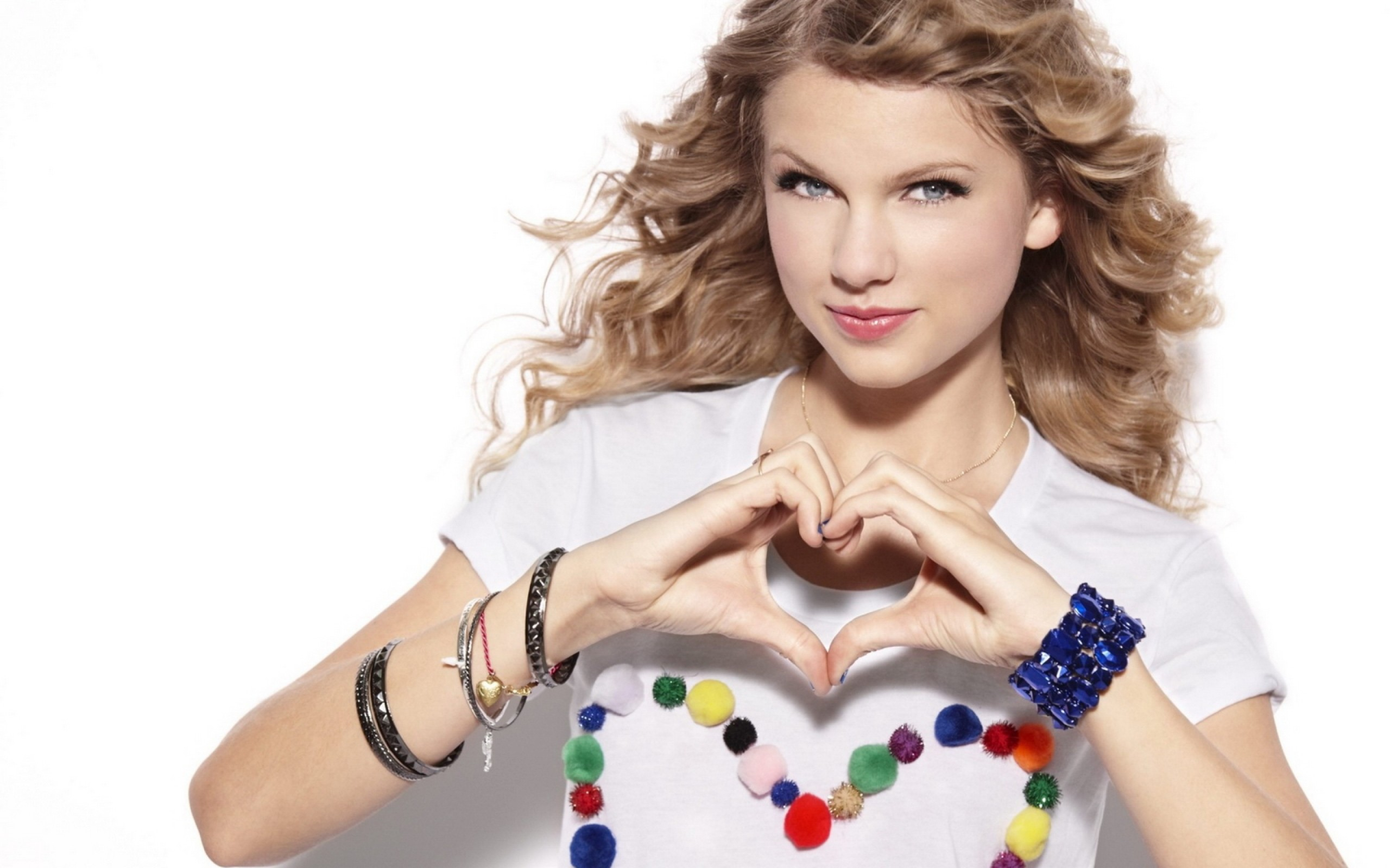 Taylor Swift Beautiful HD Wallpaper 2560x1600