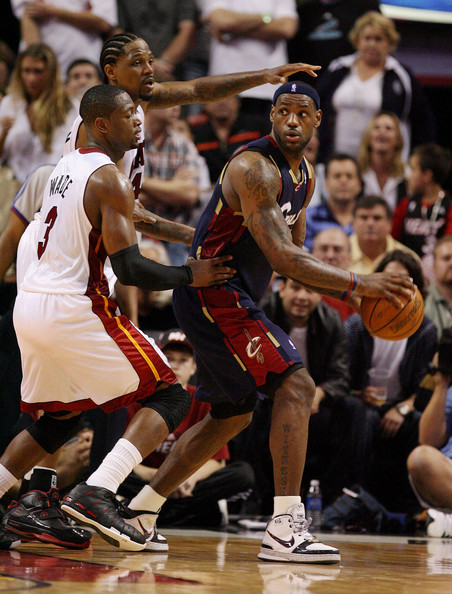 the best football wallpaper Dwyane Wade And Lebron James pictures 452x594