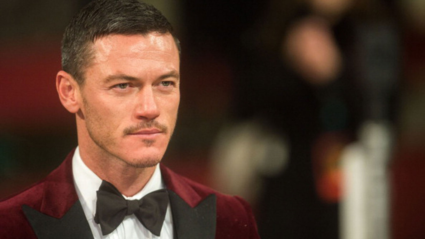 Wallpaper Luke Evans 06 Hd Wallpaper Upload at March 5 2015 by Adam 1365x768