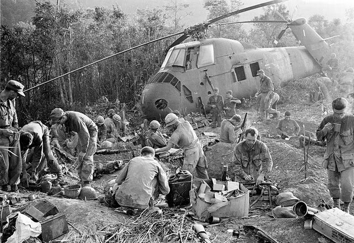 wallpaper full Vietnam War Iconic Moments   Rare Photo Collection 700x481