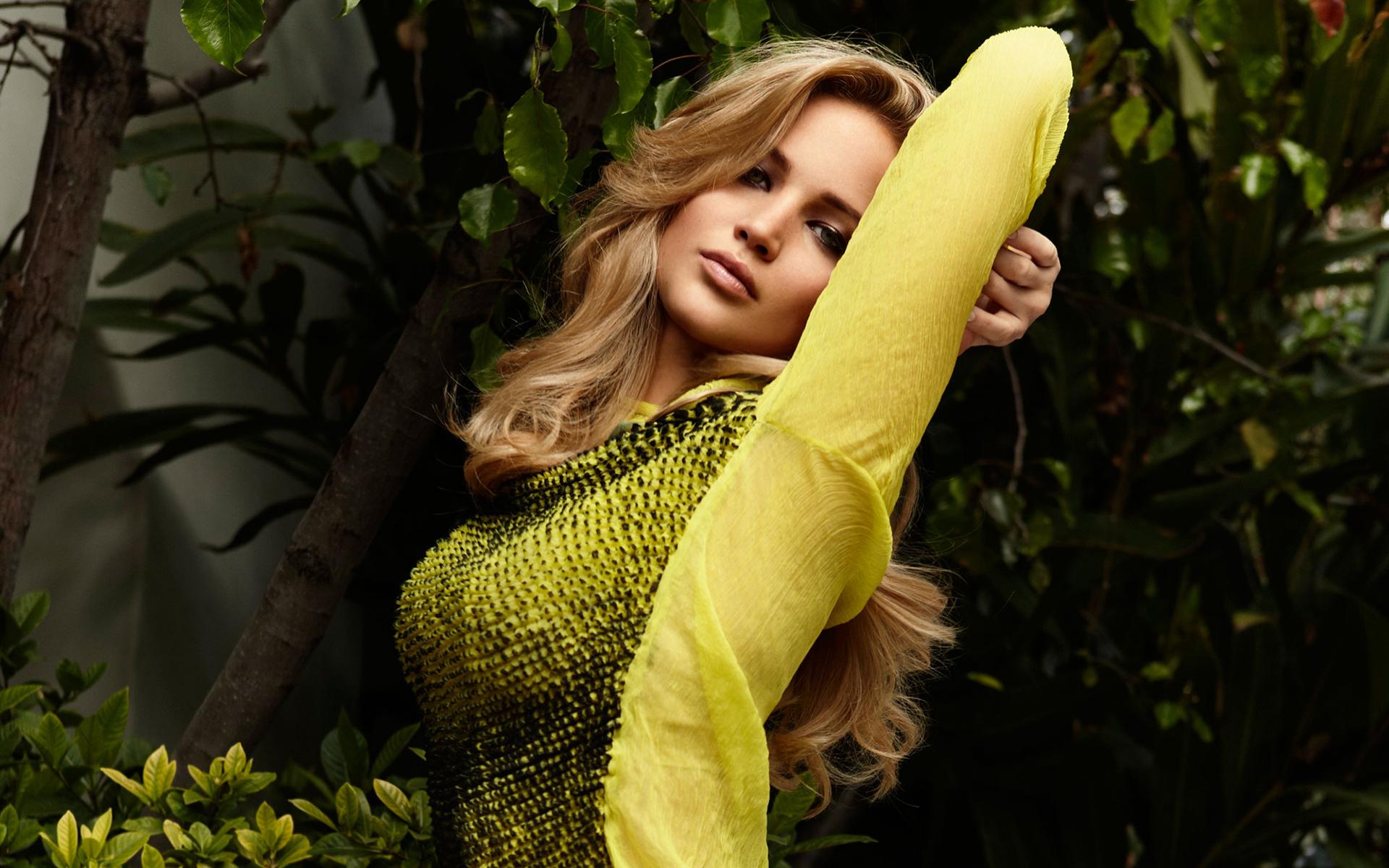 Hot Actress Jennifer Lawrence Wallpapers HD 1920x1200