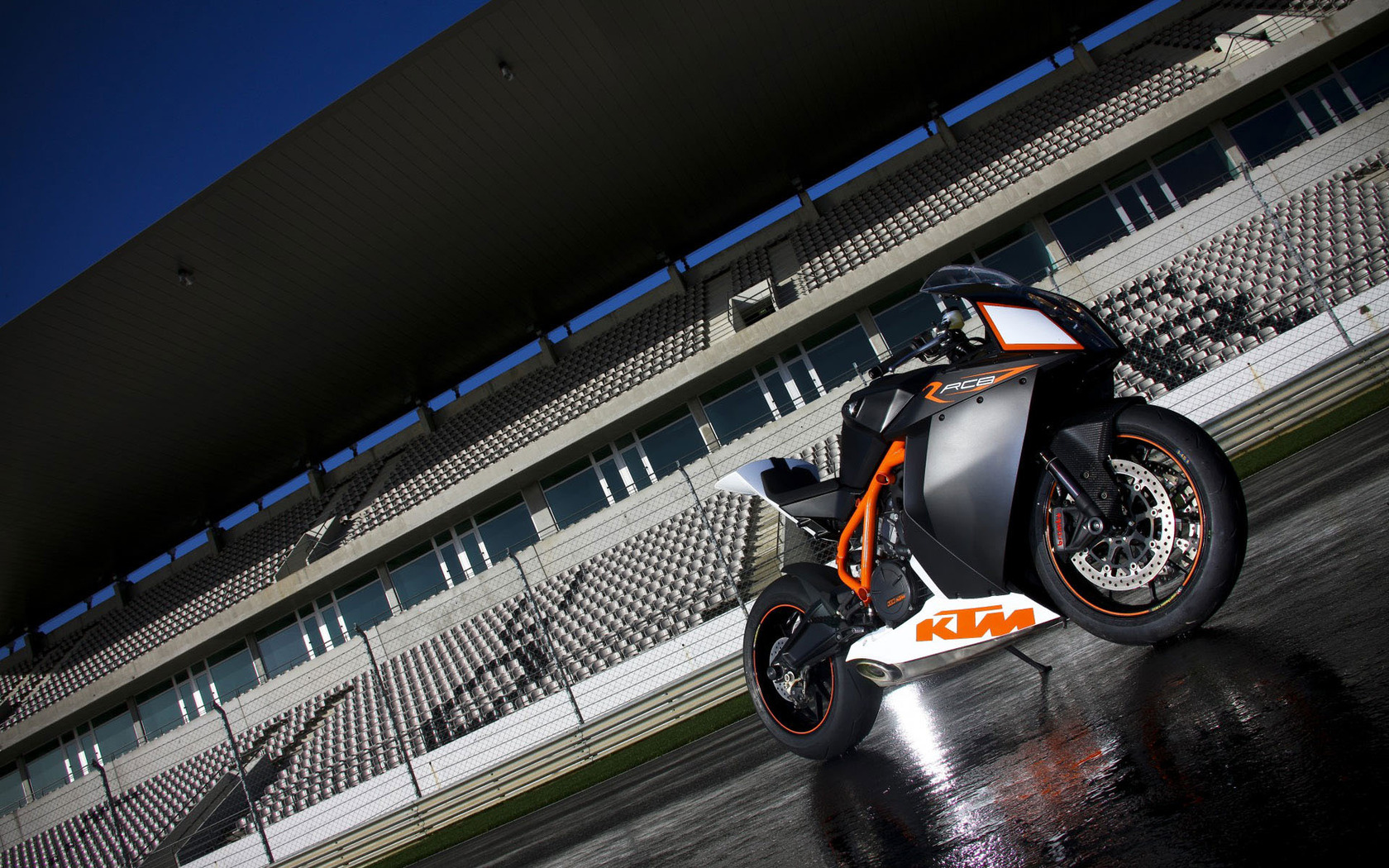 KTM RC8 wallpaper 5787 1680x1050