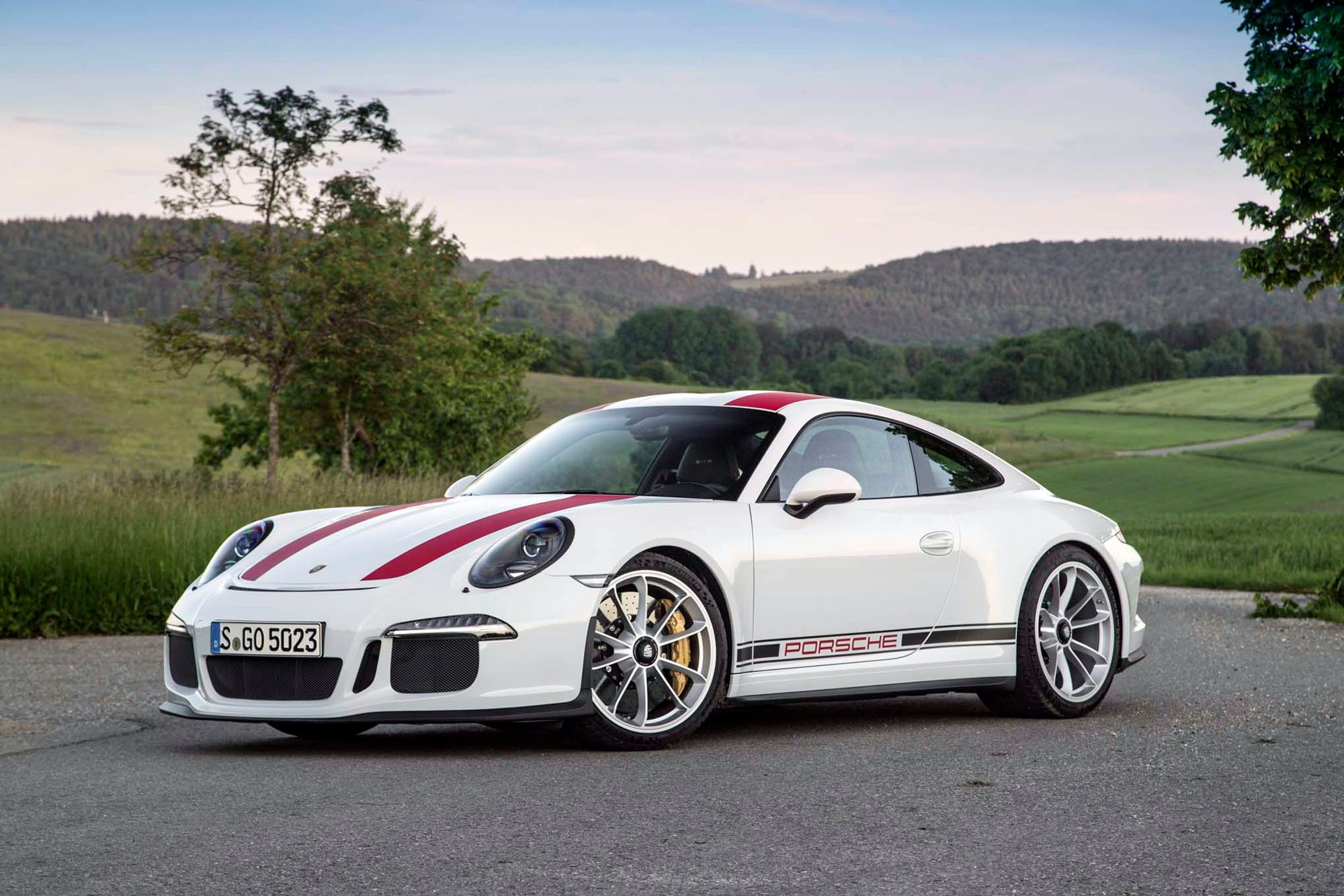 2016 Porsche 911 R Background Wallpaper HD Car Wallpapers 2000x1333