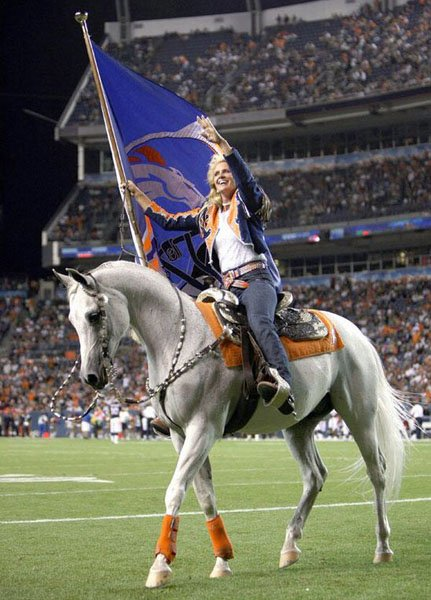 Denver Broncos Mascot Thunder to be Flown to Super Bowl by Show 431x600