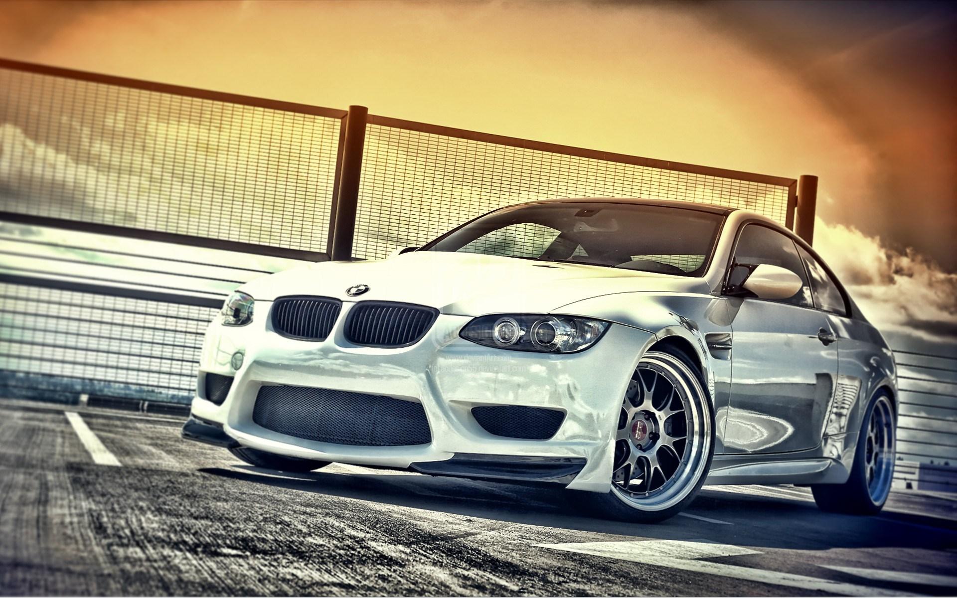 белый спортивный автомобиль bmw m3 e92  № 1015601 бесплатно