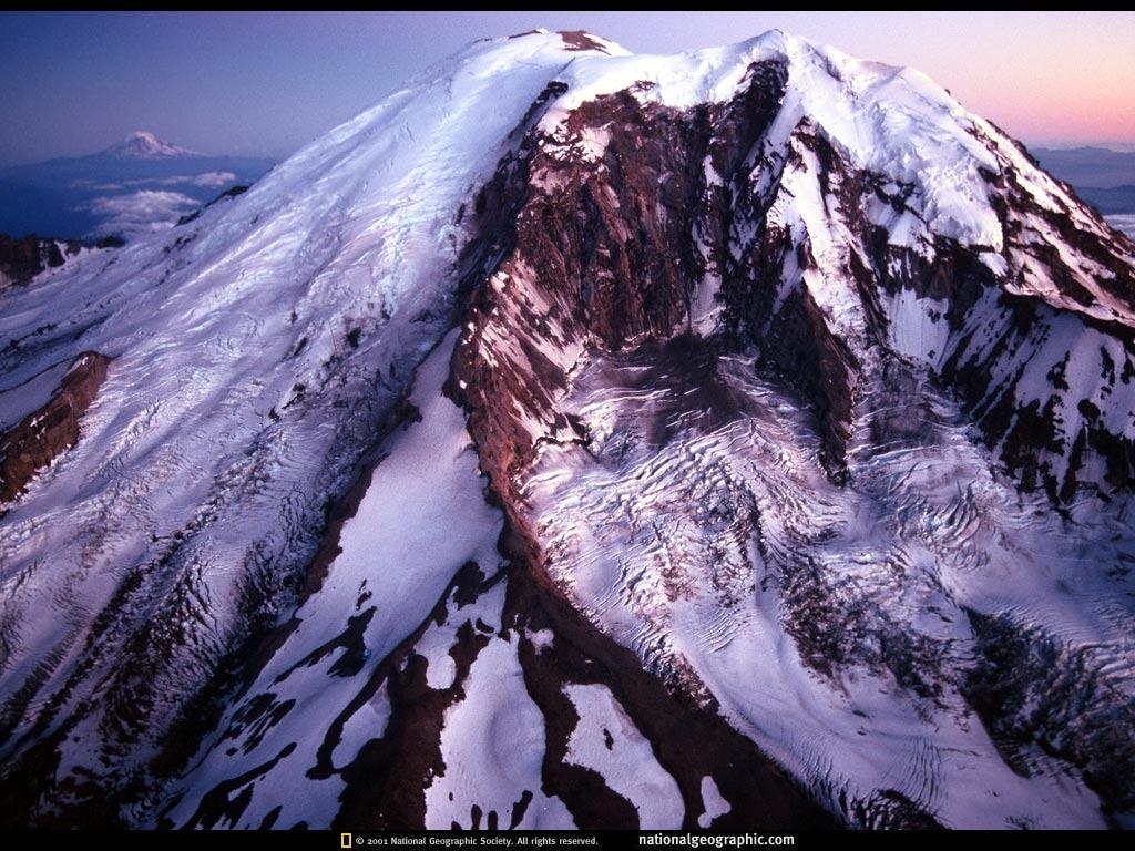 mt rainier peak mount rainier funny wallpaper 1024x768 1024x768