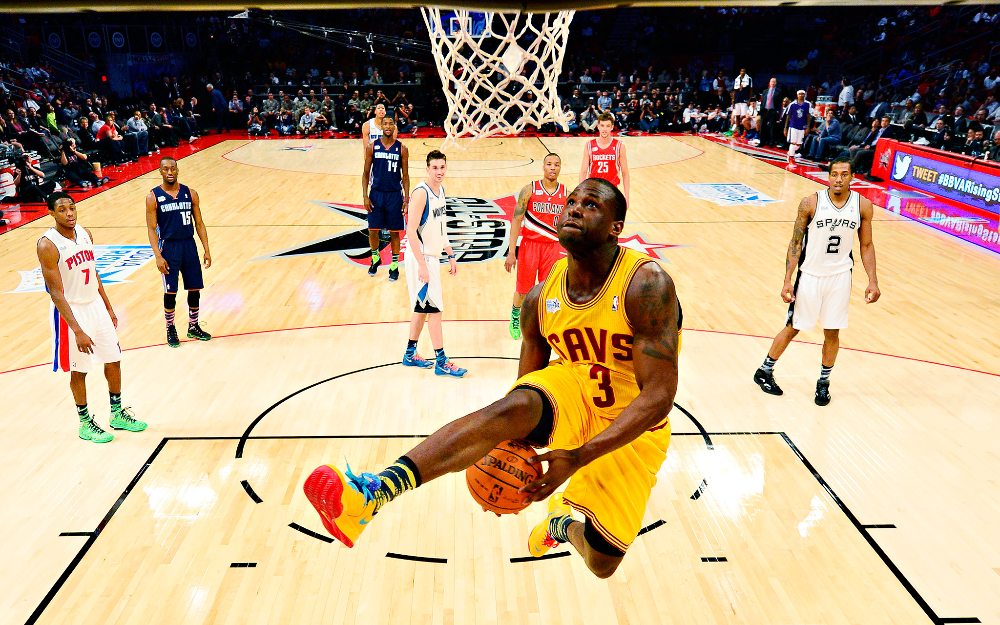 43] Cool Basketball Player Wallpapers on WallpaperSafari 2048x1280