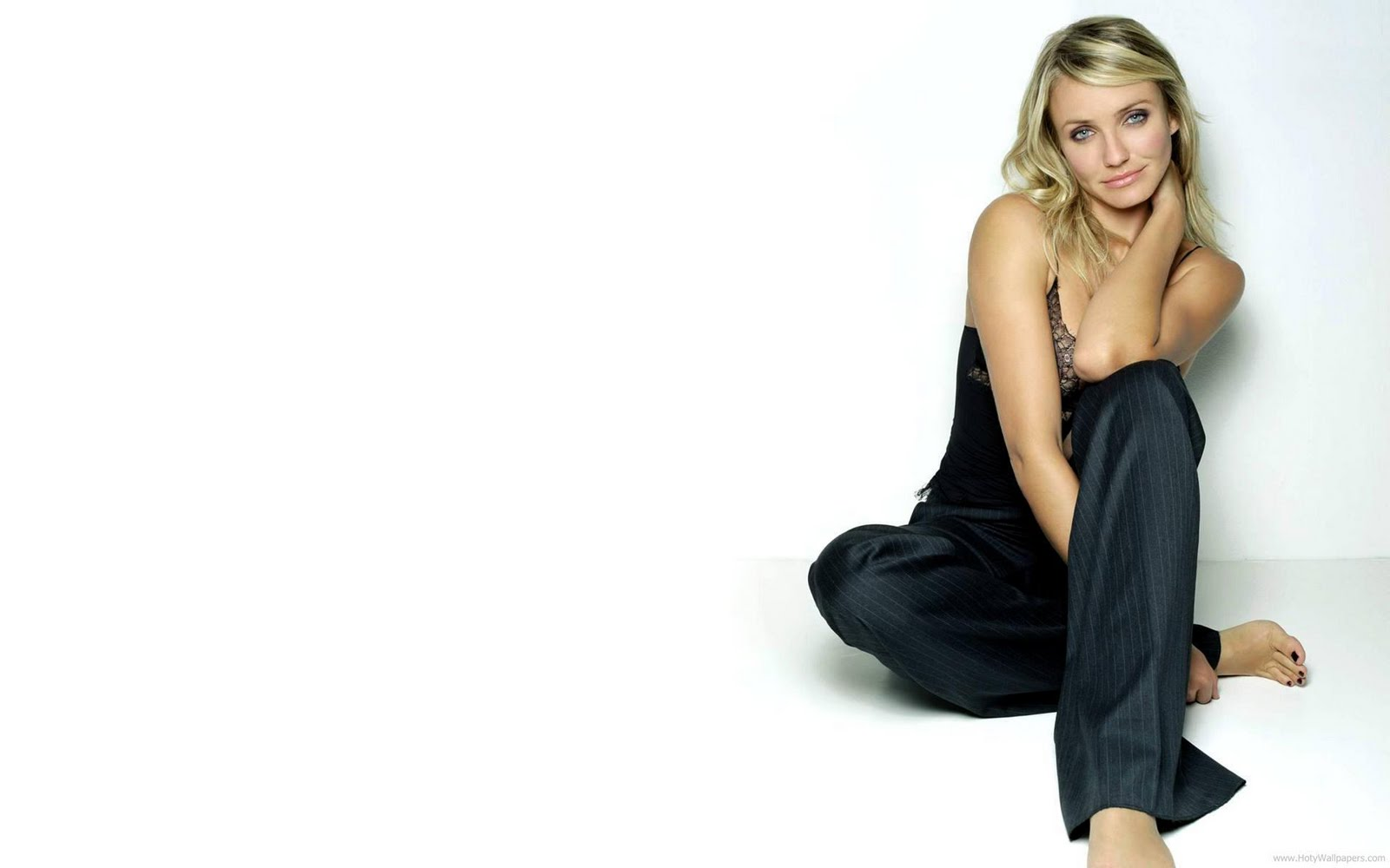 Cameron Diaz Wallpapers Fun Hungama 1600x1000